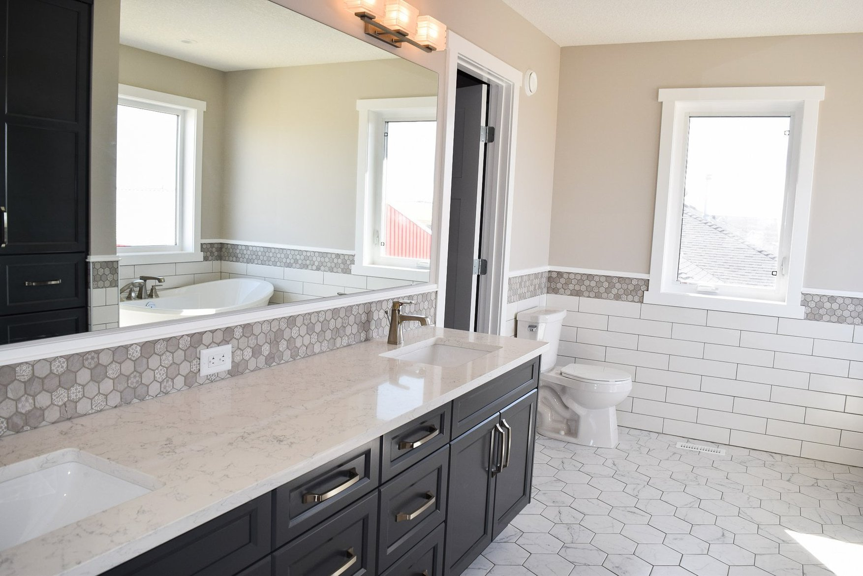bathroom of a modular pre built ready to move home by nelson homes.jpg